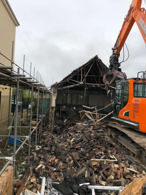Bens Demolition Division assets/images/projects/optimised/Job29/bens_demolition_IMG-20191017-WA0001_grove_Hall.jpg Grove Hall, Fishponds photo