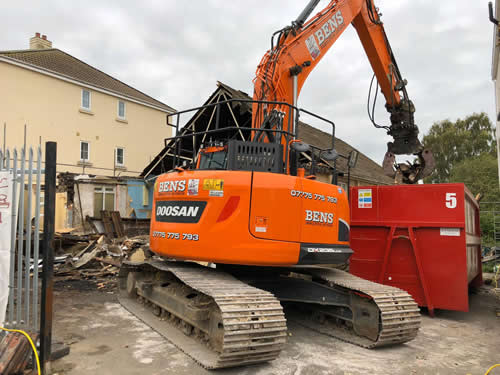 Bens Demolition Division assets/images/projects/optimised/Job29/bens_demolition_IMG-20191017-WA0007_grove_Hall.jpg Grove Hall, Fishponds photo