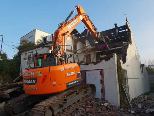 Bens Demolition Division assets/images/projects/optimised/Job3/IMG-20181027-WA0004.jpg Netham Road, Bristol photo