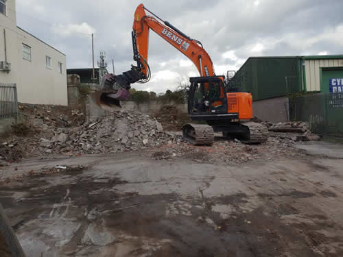 Bens Demolition Division assets/images/projects/optimised/Job3/IMG-20181027-WA0008.jpg Netham Road, Bristol photo