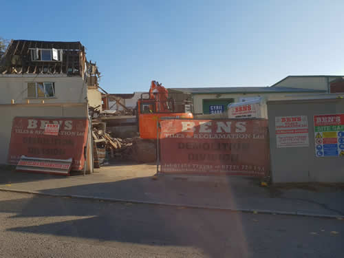 Bens Demolition Division assets/images/projects/optimised/Job3/IMG-20181027-WA0011.jpg Netham Road, Bristol photo